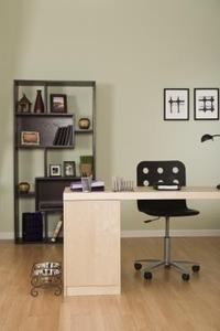comment d corer un bureau domicile avec noir cadres article. Black Bedroom Furniture Sets. Home Design Ideas
